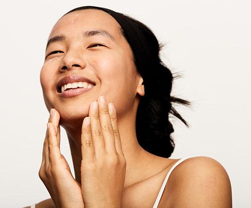 7 طرق علاجية للجلد بدون أجهزة