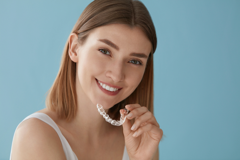 تقويم الاسنان الشفاف في تركيا