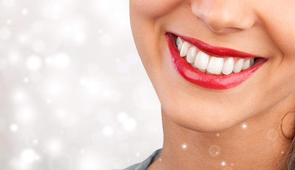 طرق تبييض الأسنان